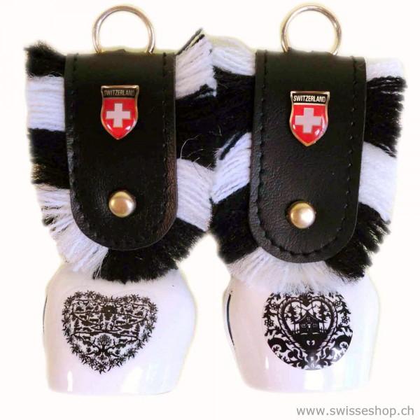 Glocke_schluessel_anhänger_schweiz_scherenschnitt_souvenir_3106